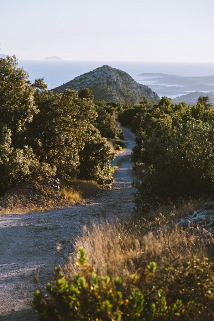 hvar cycling roads